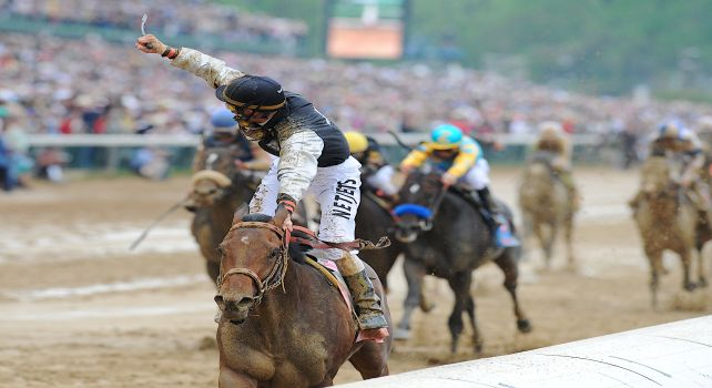 2 May 2009: Mine That Bird and jockey Calvin Borel score the 50-1 upset victory in the 135th running of the Kentucky Derby at Churchill Downs in Louisville, Kentucky.