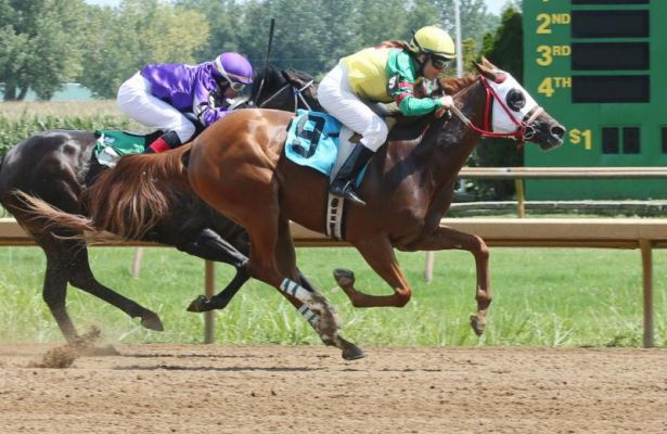 Sue Martin Won Ellis Parks First Race Aug 13 Aboard Golden Fire Fly