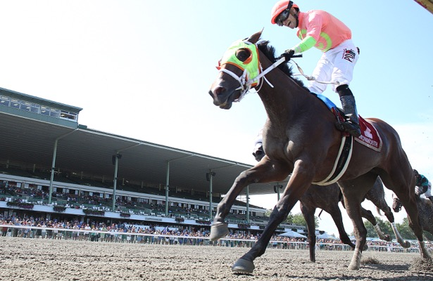 Horologist stuns champion Jaywalk in Monmouth Oaks