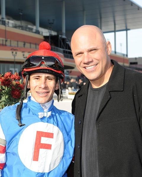 jockey Junior Alvarado and New York Yankees World Series Champion catcher Jim Leyritz, who made the Garland of Roses trophy presentation.