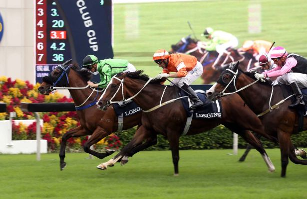 Military Attack (in green) edges out Blazing Speed in the 2015 edition of the Group 2 LONGINES Jockey Club Cup (2000m).