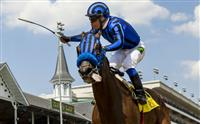 Private Zone wins the Churchill Downs stakes under jockey Martin Pedroza on Kentucky Derby day, May 2, 2015