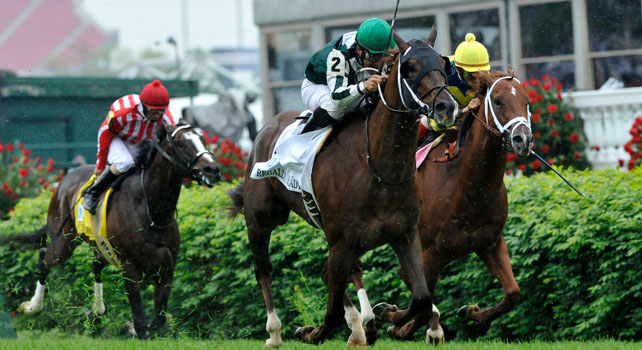 Regally Ready scores in the 2011 Breeders Cup Turf Sprint