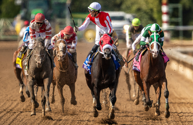 Spun to Run upsets Omaha Beach in Breeders' Cup Dirt Mile
