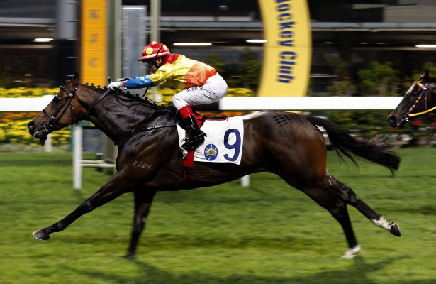Dylan Mo lands his first win at Happy Valley aboard Travel Comforts in the Ewo Challenge Trophy.