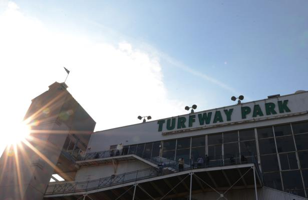 Turfway Park cuts its meet short, narrowing U.S. racing options